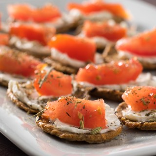 Vegan Snack Time: Tomato Cream Cheese Crackers