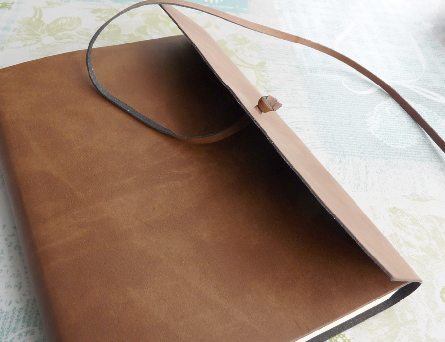 Viaggio Notebook annoying cord
