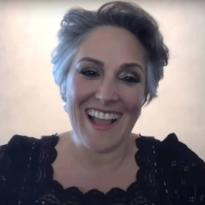Ricki Lake's Story of How Her Fiancé Proposed May Make You Blush