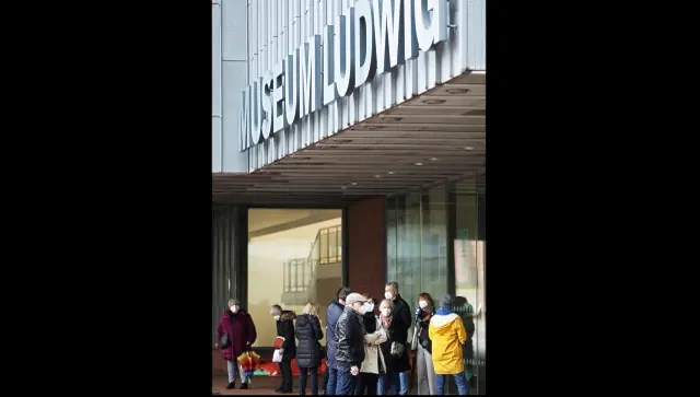 As coronavirus restrictions ease in Germany, museums and galleries temporarily reopen for public