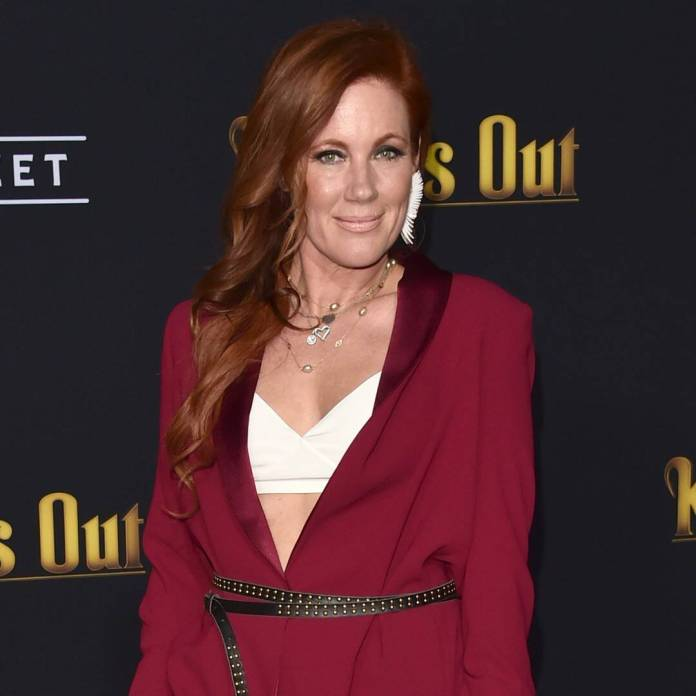 Elisa Donovan Details Her Battle With Anorexia on Clueless Set