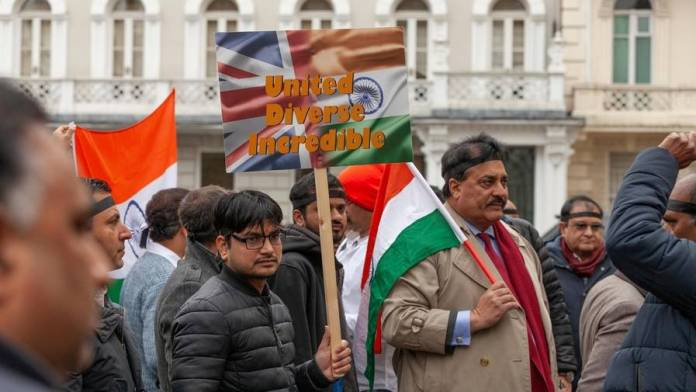 India to take back illegal migrants to UK in return for visas for young workers - News