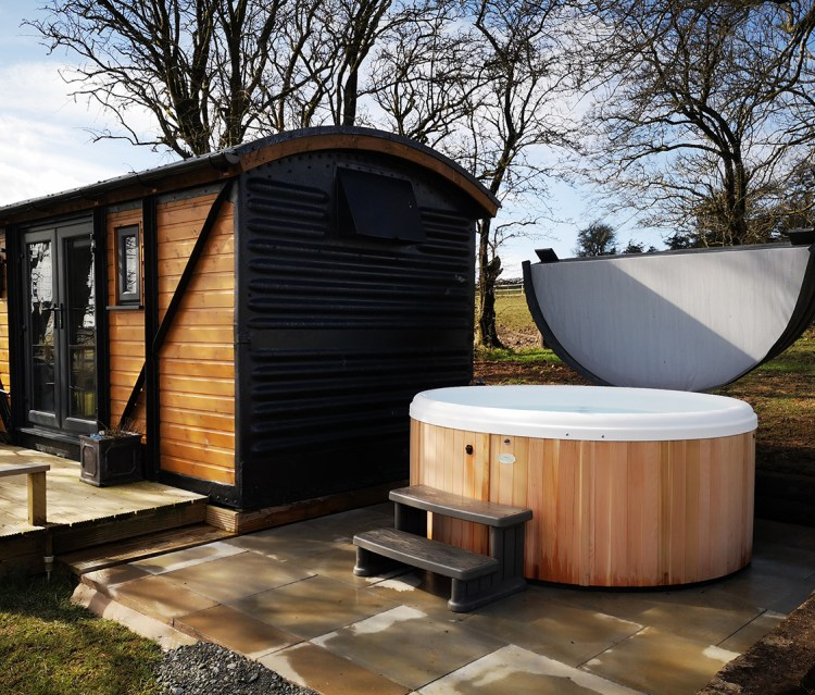 Luxury Hot Tub Glamping In Wales