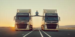 VAN-DAMME-ECART-camions