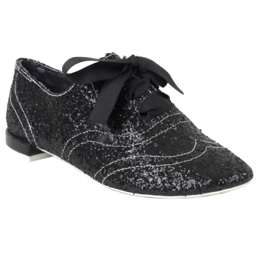 Richelieus Gravitational Pull par Irregular Choice