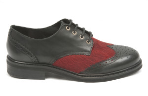 Derbies Lotus Black Red, par Koah