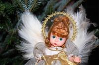 Madame_alexander_tree_angel
