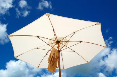 Under_my_umbrella_hermitage_bay_2
