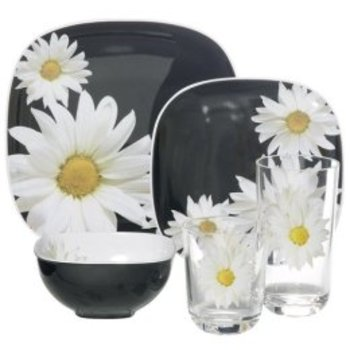 Black_daisy_plates_from_target