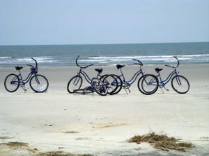 Bikes_on_the_beach