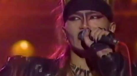 XJapan「紅」歌詞の意味を解釈&考察!YOSHIKIの父親への想いとは?   Tomi-note