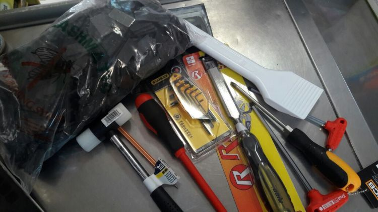 Pencere tamiri için gereken aletler