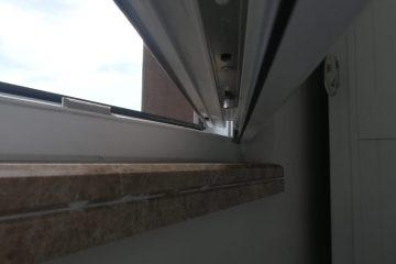 Pencere alt kısmı yamulmuş