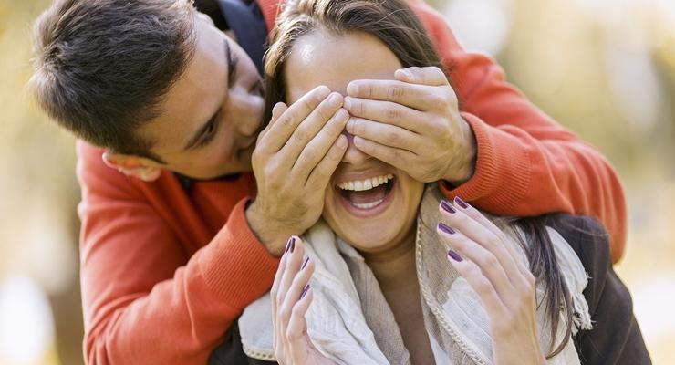 Ini Adalah Tanda Bahwa Kamu Masih Punya Kesempatan untuk Mendapatkan Pria Gebetanmu!