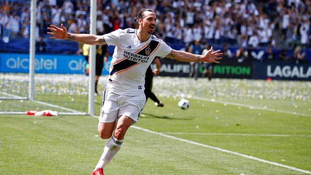 Ibrahimovic Menertawai Alasan Cristiano Ronaldo Bergabung Dengan Juventus
