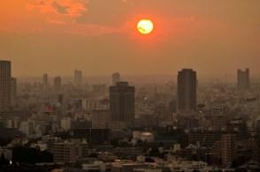 Заход солнца, вид с Токийской Башни (Tokyo Tower)