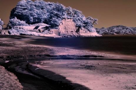 Инфракрасный тихоокеанский пляж в Камакуре