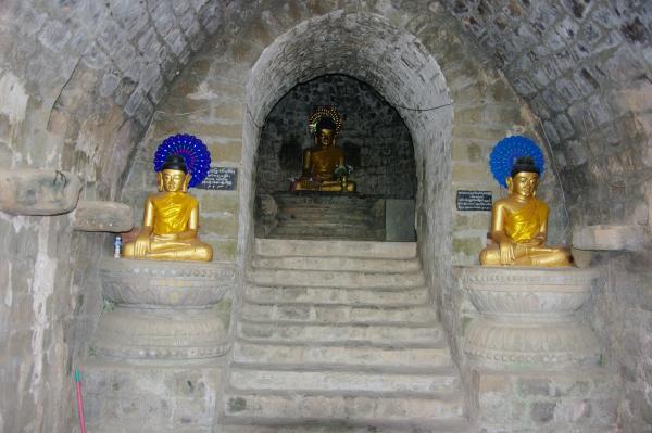 bouddha et gardiens