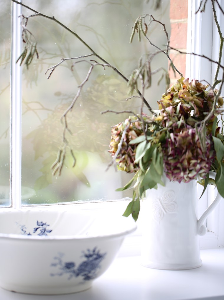 Dried-Hydrangeas-and-french-wash-bowl