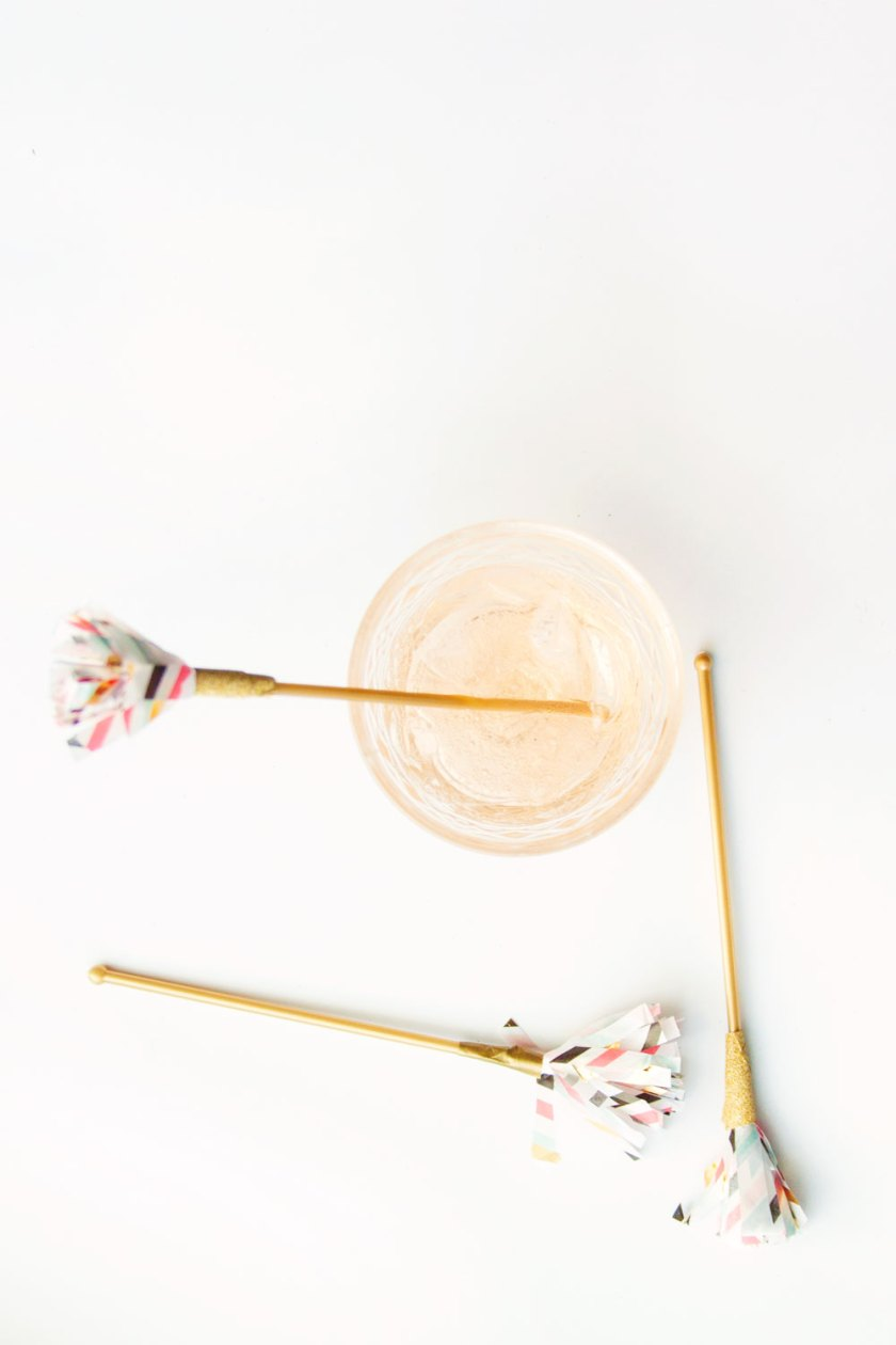 DIY fringe drink stirrers that are faster to make than you can drink a whiskey sour.