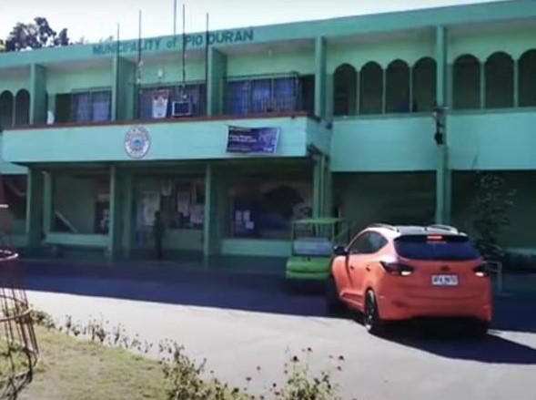 Pio Duran Municipal Hall