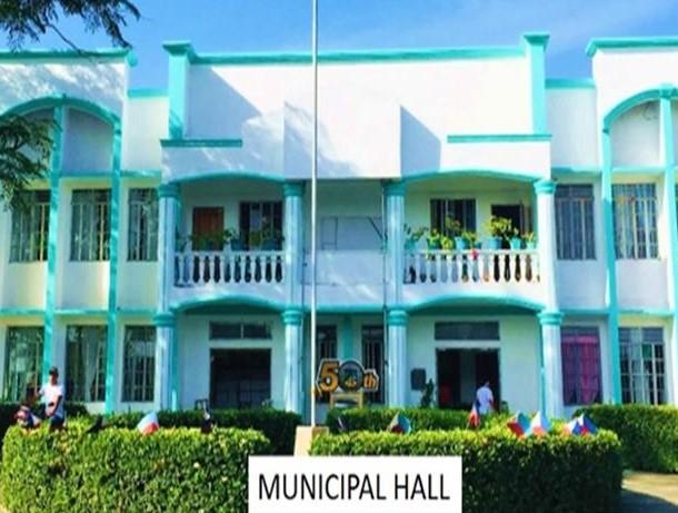 Maconacon Municipal Hall