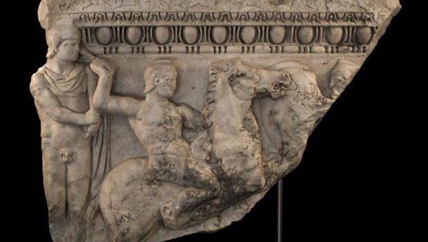 Επιστροφή αρχαίου γλυπτού από τον Matthiew Μπογδάνο