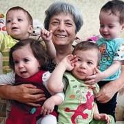 Ελληνίδα γιατρός μέσω παρένθετων έφερε στον κόσμο 4 μωρά από σπέρμα του νεκρού γιου της