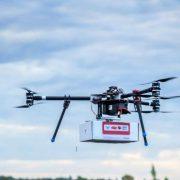 Drones γίνονται μεταφορείς εμβολίων για τα παιδιά σε απομακρυσμένες περιοχές παγκοσμίως