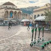 Πράσινα πατίνια: Η νέα δίτροχη λαίλαπα της Αθήνας