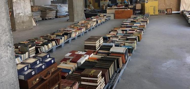 Κρυμμένοι θησαυροί στο Παλαιοβιβλιοπωλείο των Αστέγων