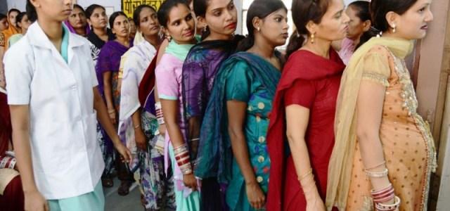 Η Ινδία θα μπορούσε να απαγορεύσει την εμπορευματοποίηση της παρένθετης μητρότητας