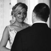 Γιατί οι φωτογραφίες αυτής της νύφης με τον αδερφό της έγιναν viral