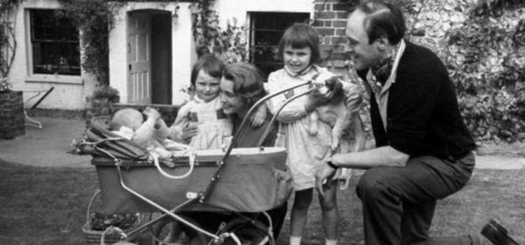 Πώς ο Roald Dahl έγινε υπέρμαχος του εμβολίου της ιλαράς, μετά το θάνατο της κόρης του Olivia