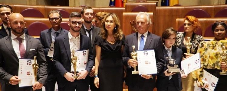 Λαμπροί επιστήμονες και άνθρωποι της τέχνης βραβεύθηκαν στα βραβεία Sciacca στο Βατικανό. Βραβείο Ιατρικής επιστήμης στον Έλληνα χειρουργό Κωνσταντίνο Κωνσταντινίδη