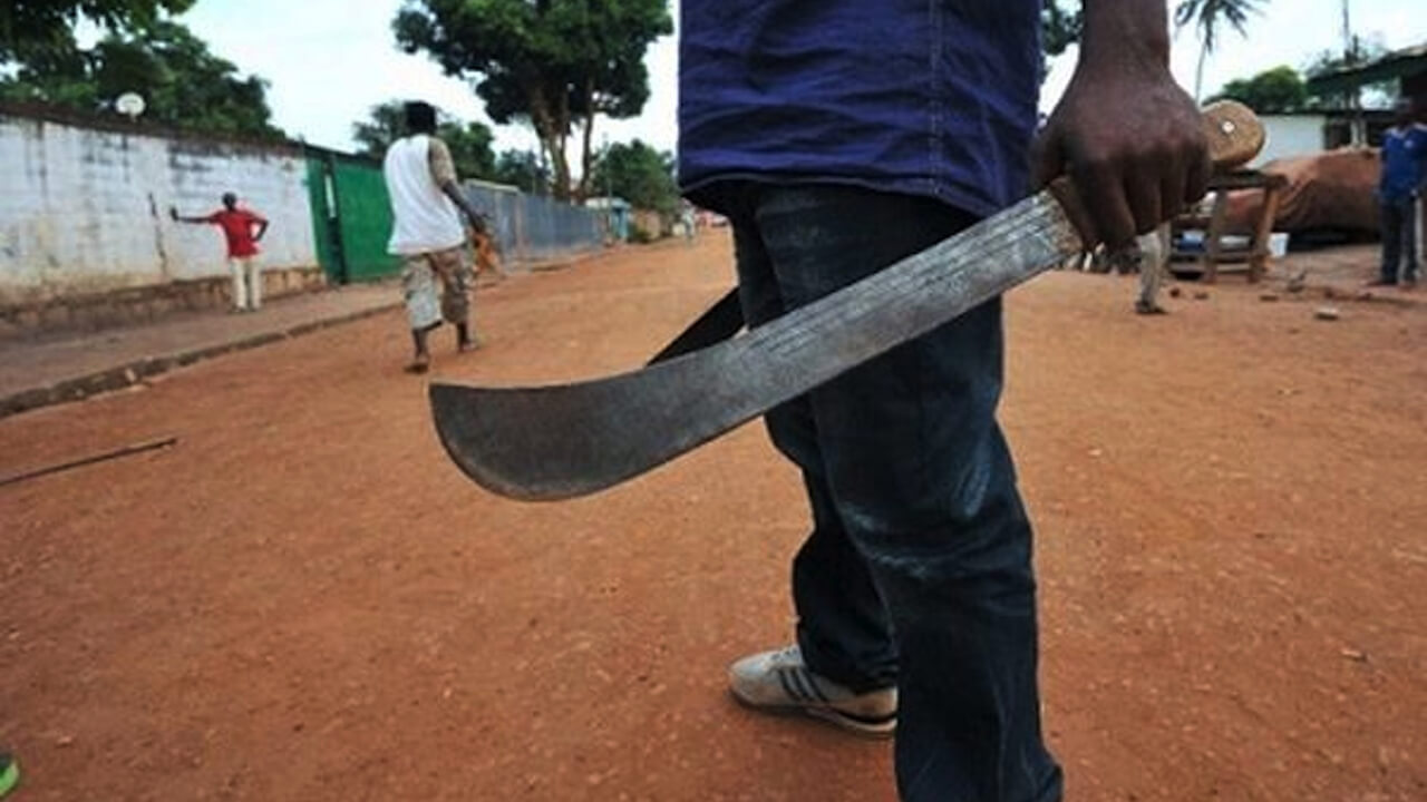COMMUNUAL-CLASH:-Father,-son-beheaded-in-front-of-wife-in-Calabar