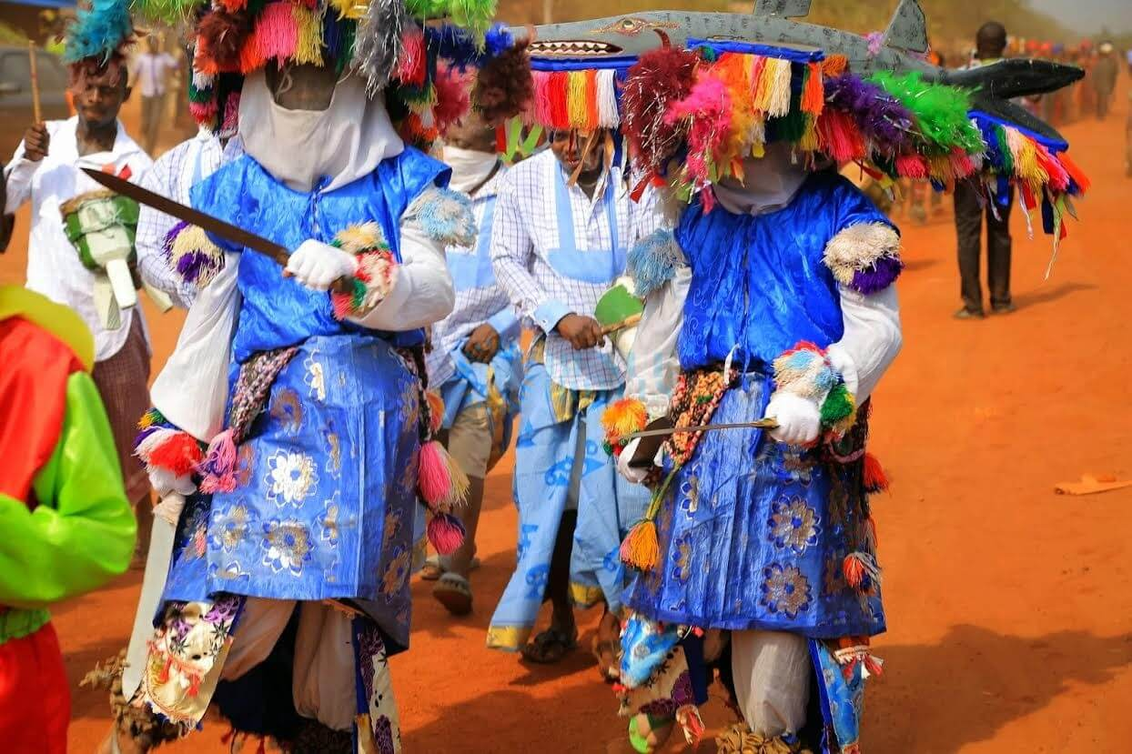 20-Masquerades-attack-police-station,-injure-officers