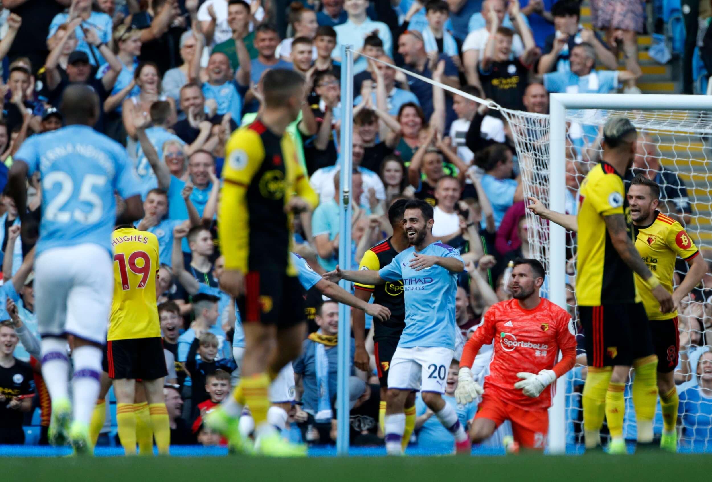 Leceister-shocks-Tottenham,-Man-City-humiliates-Watford