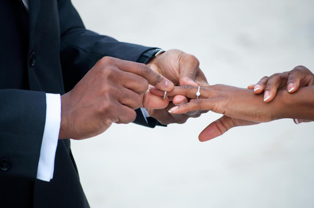 Bridegroom-slumps-at-reception,-dies-on-wedding-day