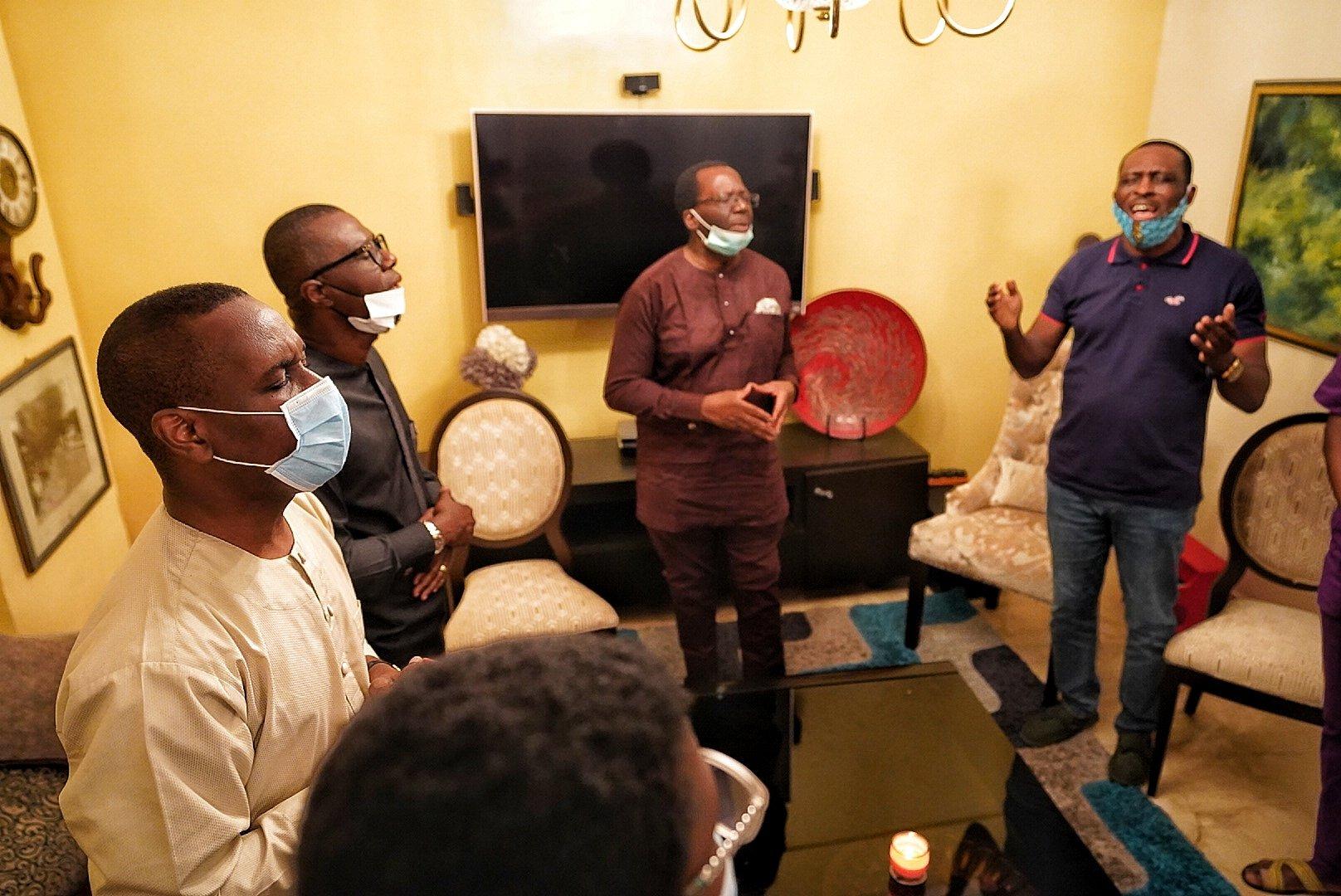 sanwo-olu-condoles-with-pastor-ighodalo