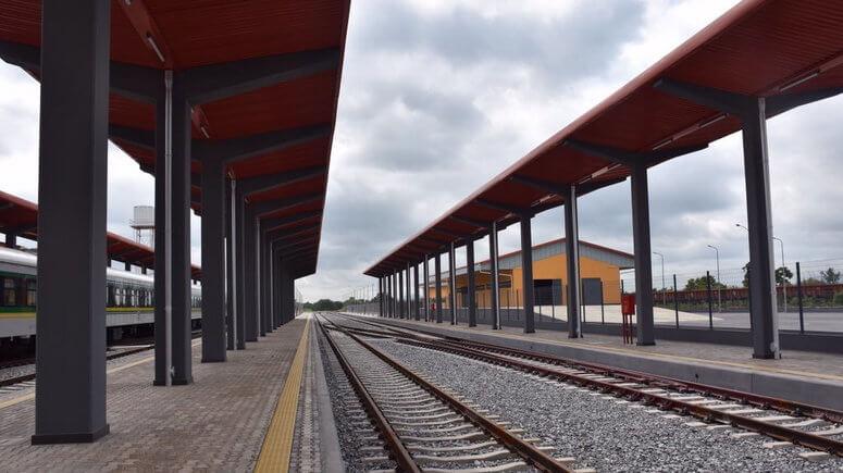 President-Buhari-names-Agbor-railway-station-after-Jonathan