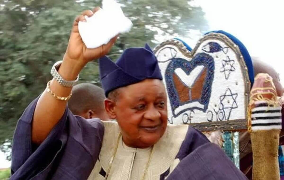 alaafin-is-colliding-with-god-can-oyo-chapter