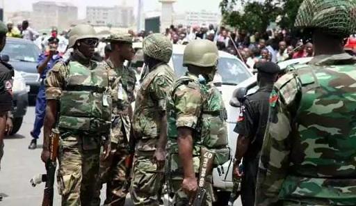 scores-dead-as-soldiers-touts-clash-in-ladipo-oshodi