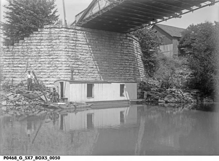 shantyboat at iron bridge
