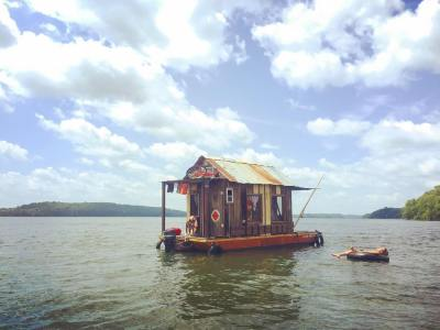 Shantyboat on the Tennessee River