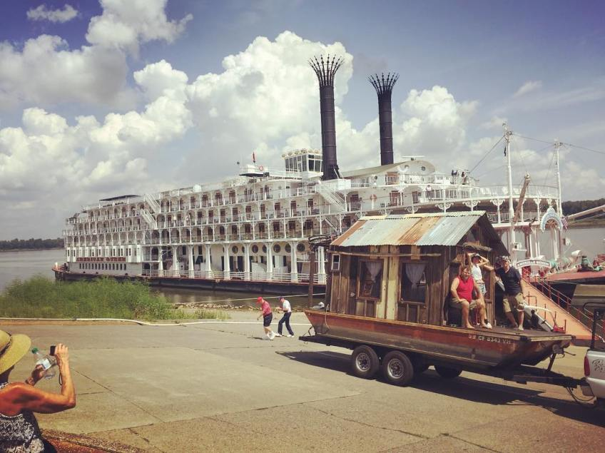Secret History shantyboat visits the American Queen at Port of Paducah