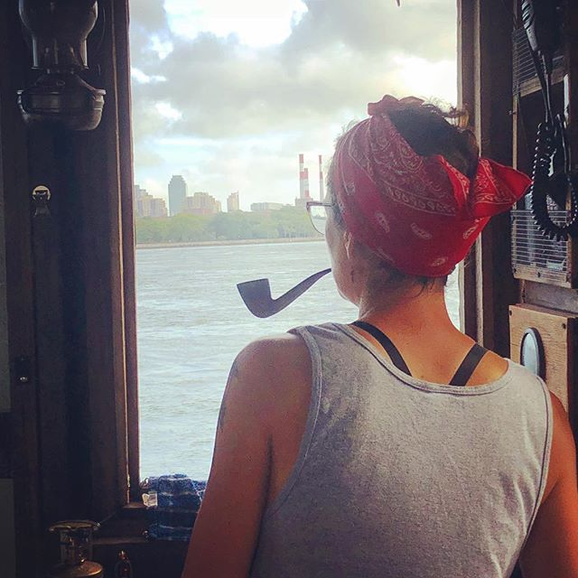 Benzy skippering on the East River #shantyboat #eastriver #nyc