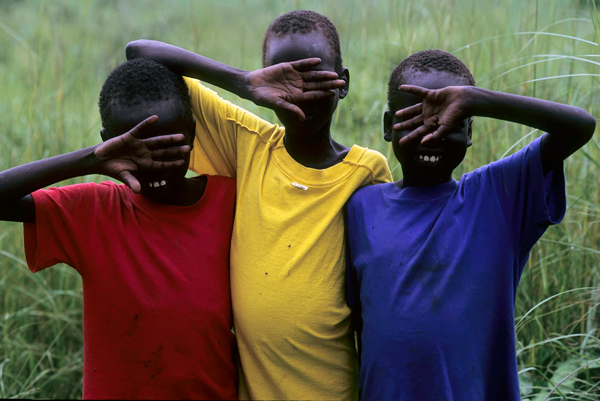 Niños atendidos por la ayuda humanitaria en los pantanales de Sudán del Sur (Foto: LUIS DAVILLA)