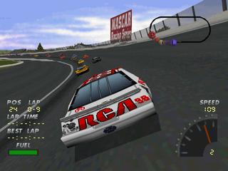 NASCAR 98 (Collector's Edition) PlayStation  Vista desde la parte posterior