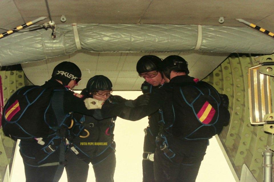 Primera mujer paracaidista en el Ejército del Aire Patricia Godoy